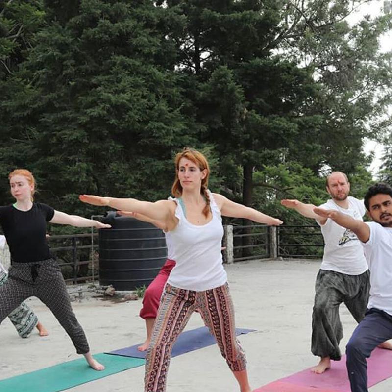 200 Hour Yoga Teacher Training in Rishikesh (Yoga For Beginners)